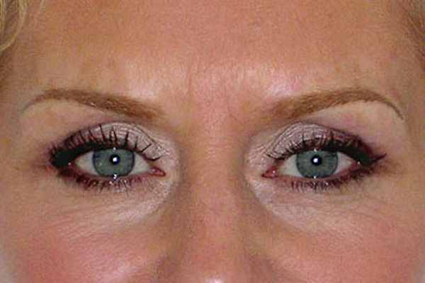 Permanent make up - eye brows 3